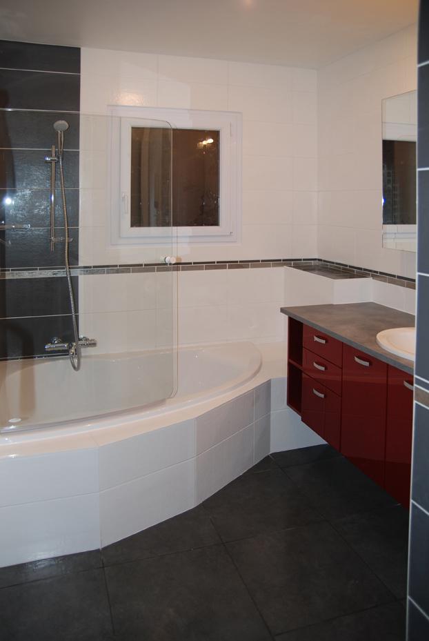 cuisine baignoire m barri re perene lyon. Black Bedroom Furniture Sets. Home Design Ideas