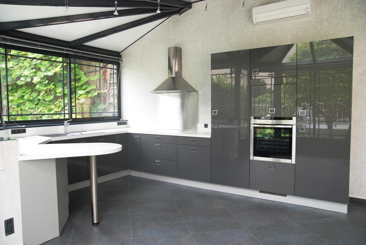Pin cuisine avec cr dence en miroir pour agrandir l espace - Credence en miroir pour cuisine ...