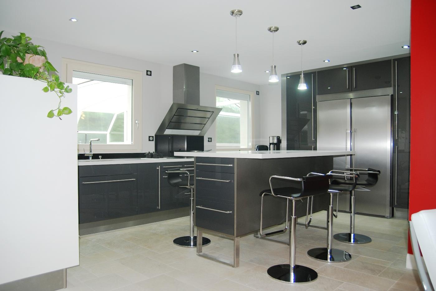 ilot cuisine repas ilot de cuisine avec coin repas cuisine leicht et with ilot cuisine repas. Black Bedroom Furniture Sets. Home Design Ideas