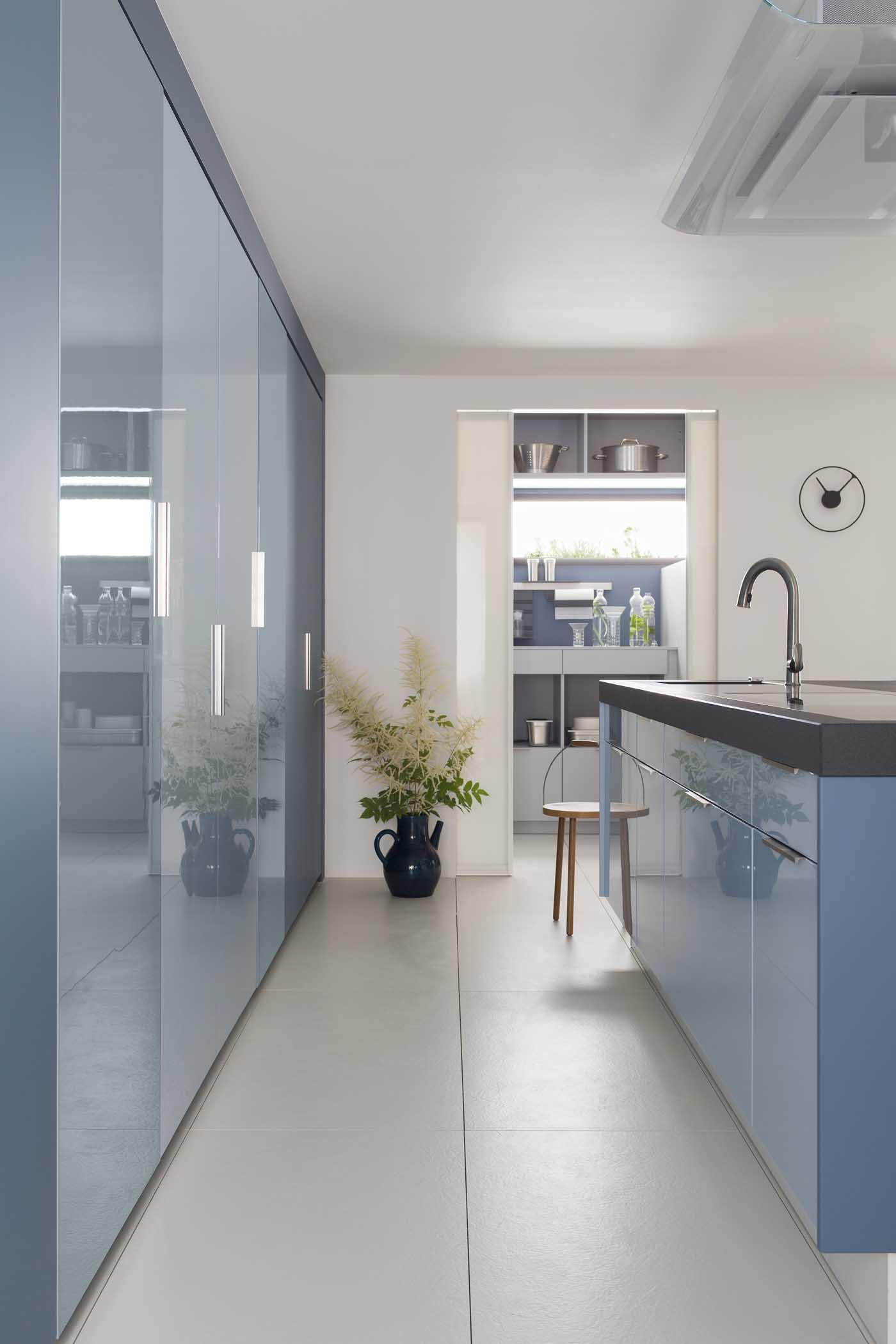 cuisine l500 sikkens brillant et bleu pastel soft perene lyon. Black Bedroom Furniture Sets. Home Design Ideas