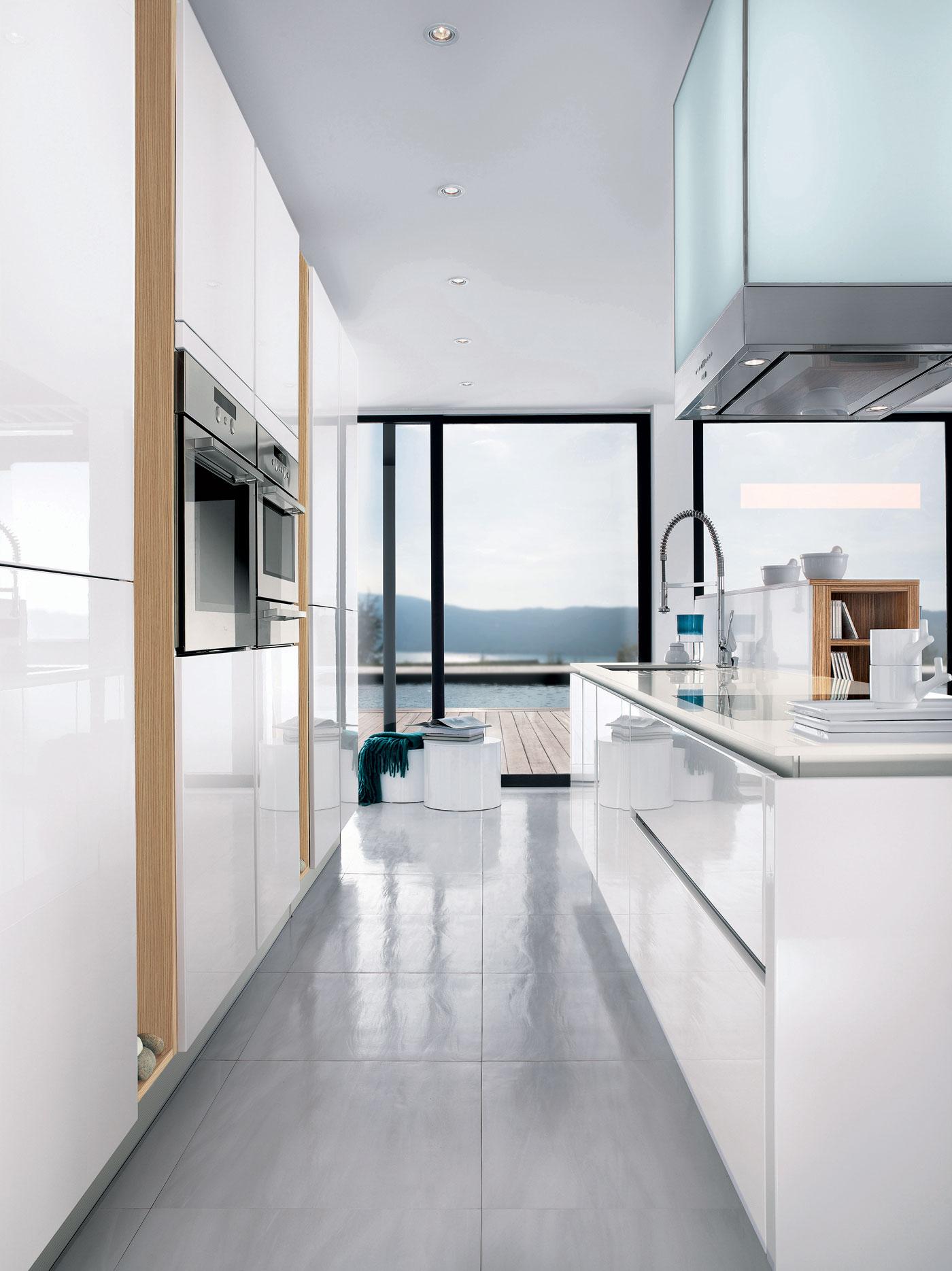 cuisine l500 laqu blanc brillant m100h m lamin ch ne blanchi satin perene lyon. Black Bedroom Furniture Sets. Home Design Ideas